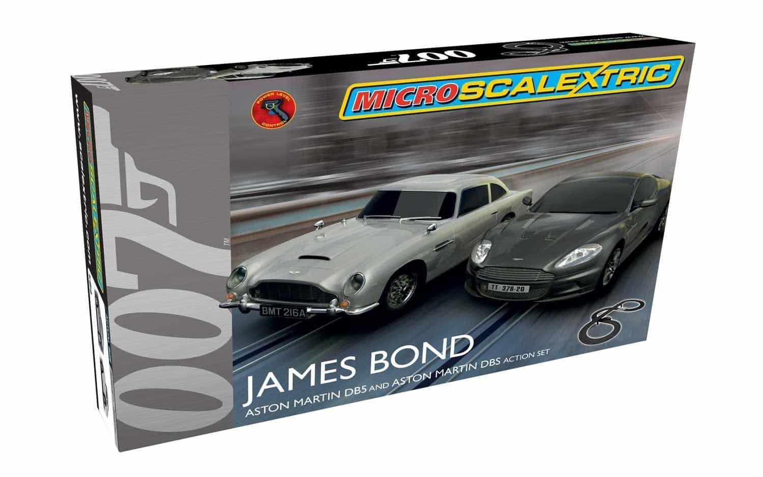 Circuit Scalextric avec James Bond